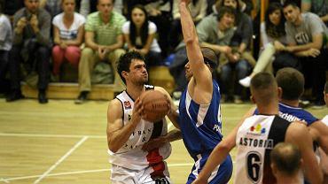 Mateusz Bierwagen przed rokiem grał w barwach Astorii. Teraz przyczynił się do porażki klubu z Bydgoszczy