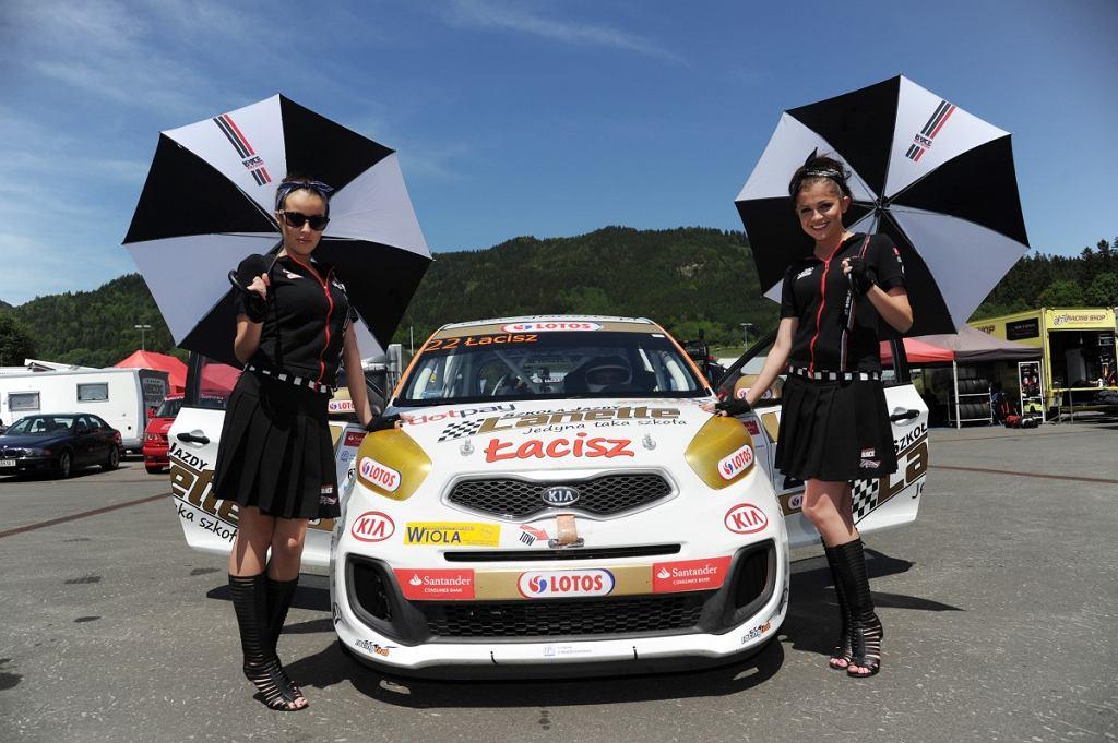 Zbigniew Łacisz dwukrotnie stanął na najwyższym stopniu podium II rundy Mistrzostw Polski Kia Picanto, rozegranej na torze Red Bull Ring w Austrii