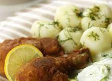 Kurczak panierowany z ziemniakami i mizerią - ugotuj