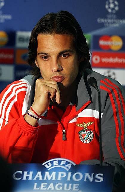 Nuno Gomes na konferencji prasowej przed jednym z meczów