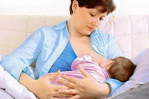 Wygodne pozycje do karmienia piersią