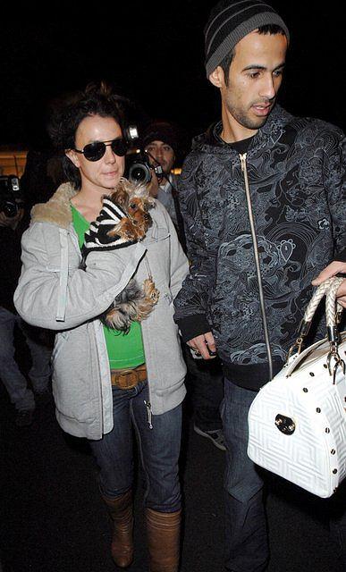 Britney Spears przy swoim przyjacielu wydaje się jeszcze niższa, niż jest w rzeczywistości - 163 cm