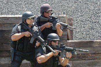 Oddział SWAT fot. Wired News