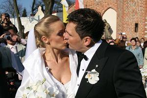 Miało być z pompą i tak właśnie było. W słoneczną niedzielę w Katedrze Oliwskiej w Gdańsku, Dariusz Michalczewski wziął swój czwarty, ale pierwszy kościelny ślub. Para młoda prezentowała się pięknie.