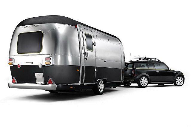 Koncepcyjne MINI Cooper S Clubman z przyczepą Airstream Trailer