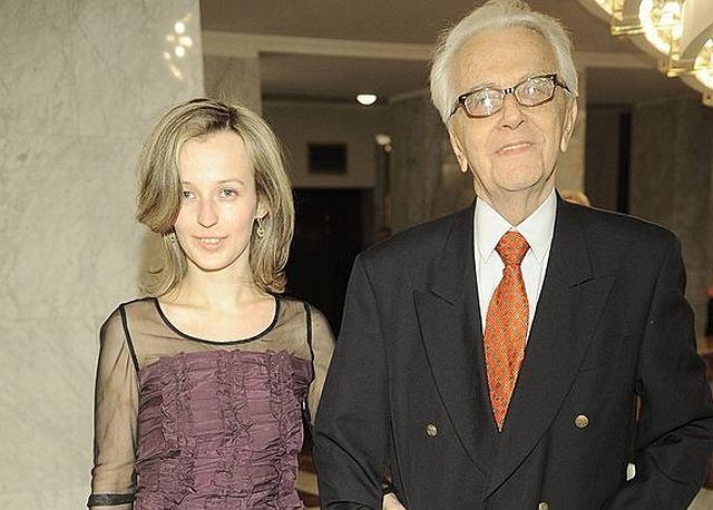 Andrzej Łapicki z młodą żoną