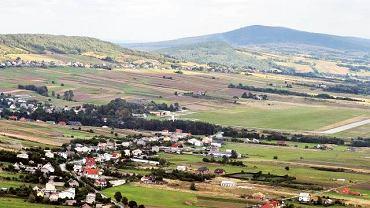 Góry Świętokrzyskie, widok na Łysicę do strony Masłowa