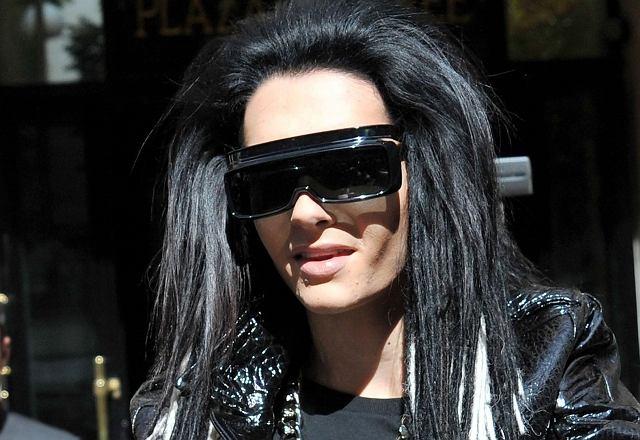 ...Bill Kaulitz z Tokio Hotel. Chłopak wygląda coraz dziwniej, a dokładnie - bardziej kobieco. Aż trudno uwierzyć, że ma dopiero 20 lat. Jak on będzie wyglądał za 20 kolejnych?