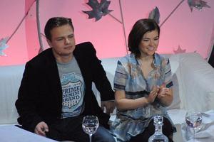 Chcieli chronić swoją prywatność, ale zmieni zdanie i zgodzili się opowiedzieć o swoim małżeństwie w programie Gotowi na ślub! Zgarnęli za to 13 tysięcy złotych! Zobaczcie zdjęcia z planu programu, który Telewizja Publiczna pokaże 21 listopada.