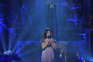 Kasia Cichopek zaśpiewała kolędę 'Lulajże Jezuniu'.
