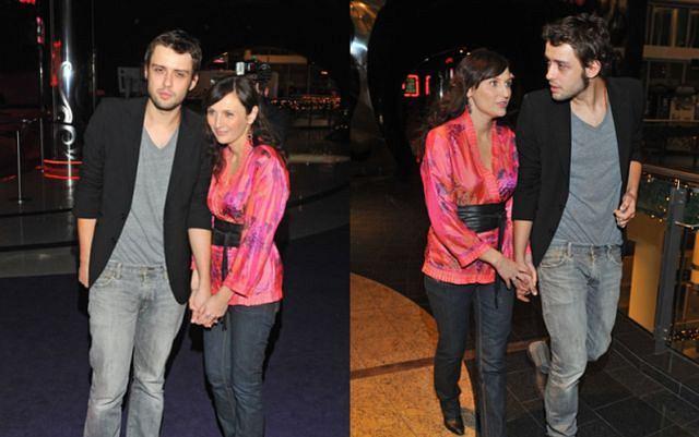 Tomek Makowiecki, który jest mężem utalentowanej Reni Jusis ma 27 lat. Jest młodszy od Reni o lat 9...