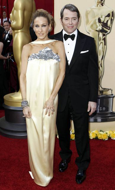 Sarah Jessica Parker and Matthew Broderick arrive during the 82nd Academy Awards Sunday,  March 7, 2010, in the Hollywood section of Los Angeles. (AP Photo/Matt Sayles)
