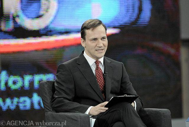 Radosław Sikorski w czasie debaty z Bronisławem Komorowski