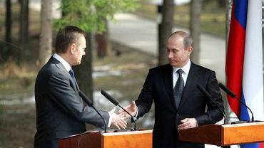 Premierzy Tusk i Putin w Katyniu
