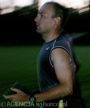 Nasz Czytelnik nie może biegać z powodu urazu mięśnia brzucha