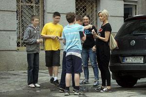 Małgorzata Foremniak nikomu nie odmawia autografu. Szczególnie jeśli proszą ją o to dorastający chłopcy... Nawet jeśli ma to być parafka na gołym ciele!