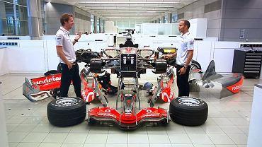Hamilton i Button składają bolid F1