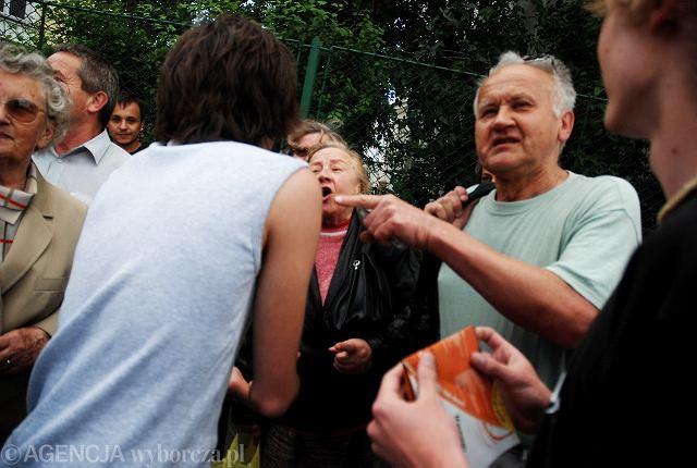 Konfrontacja sympatyków PO i PiS w Rzeszowie