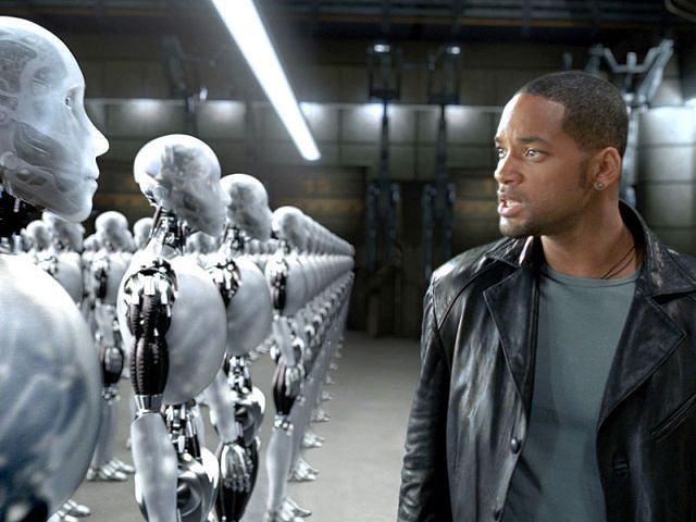 W lutym europosłowie będą głosowali nad raportem nt. przepisów dla robotów. Na zdjęciu kadr z filmu 'Ja, robot'.