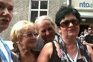 Emeryci i renciści o współpracy z Dodą.