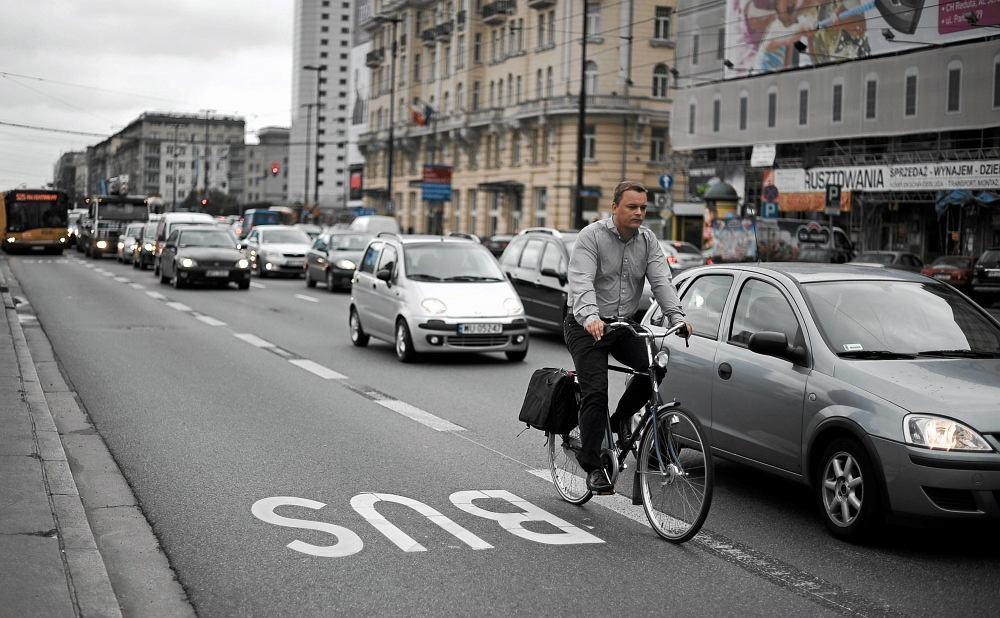 Rower w warszawskim korku