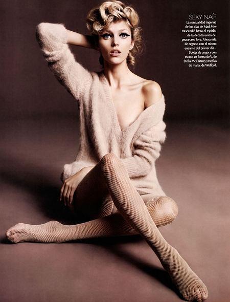 Anja Rubik - Vogue Latin America - październik 2010