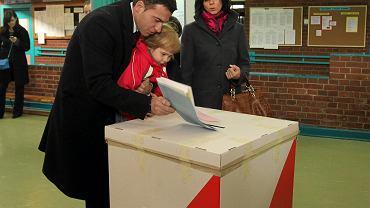 Wojciech Olejniczak, kandydat SLD na prezydenta Warszawy, głosował wraz z rodziną