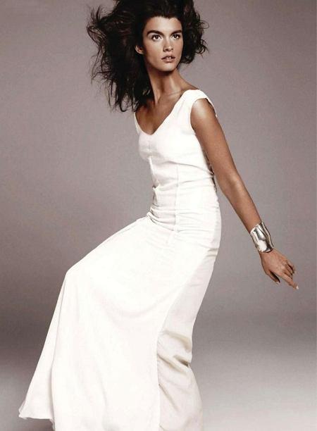 Crystal Renn - Harper's Bazaar grudzień 2010