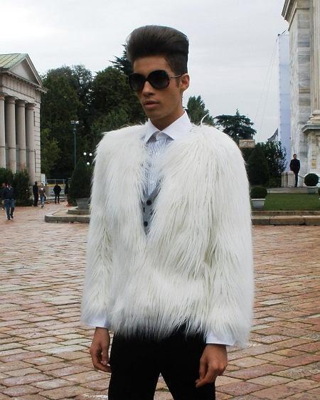 futro - Dolce & Gabbana, kardigan - Zara, spodnie - Zara, okulary - Vogue