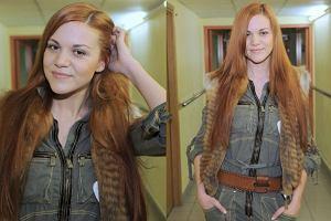 Czyżby rudy kolor znów wrócił do łask? Ostatnio włosy na rudo przefarbowała Khloe Kardashian. Na 19. finale WOŚP, Dominika Gawęda z Blue Cafe pojawiła się w rudych włosach. Wyglądała...inaczej. Dominika przyzwyczaiła nas do tego, że lubi eksperymentować z modą. Jak widać, Gawęda lubi również eksperymentować na głowie. Jak podoba wam się jej nowa fryzura?