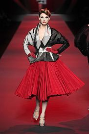 HAUTE COUTURE Spring summer 2011  CHRISTIAN DIOR  PHOTO: EAST NEWS / ZEPPELIN