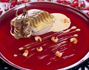 Jesiotr z sosem z raków na selerowym purée z orzechami włoskimi