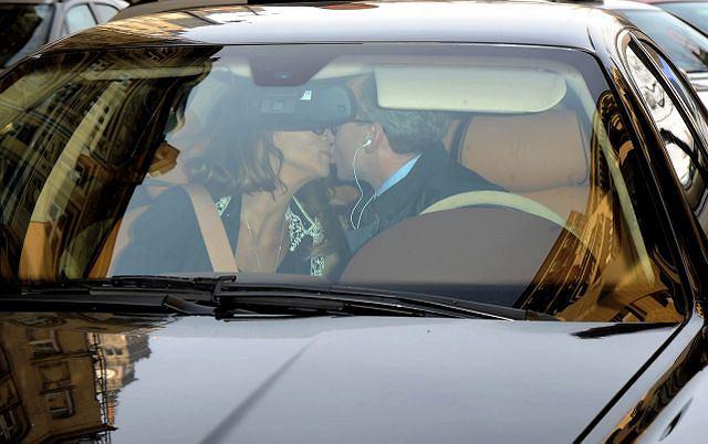 Edyta Górniak została ambasadorką marki SORAYA. Gwiazda wygryzła Małgorzatę Foremniak, która wcześniej była twarzą tej marki. Na konferencję prasową, Edytę przywiózł jej partner życiowy, Piotr Schramm. Przy okazji pochwalił się swoim wypasionym samochodem. Maserati za 600 tysięcy złotych to nowy nabytek adwokata.