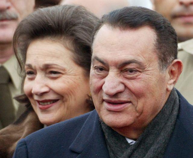 Hosni Mubarak i jego żona Suzanne