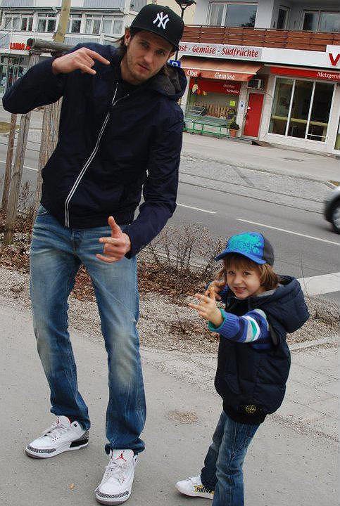 Michał Winiarski z synkiem