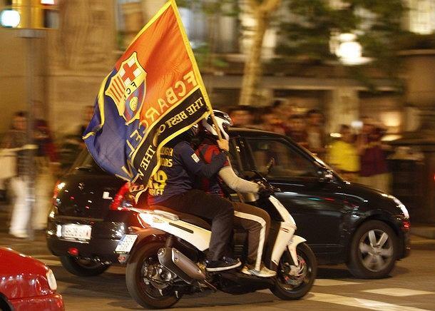 Kibice Barcelony świętują mistrzostwo swojej drużyny