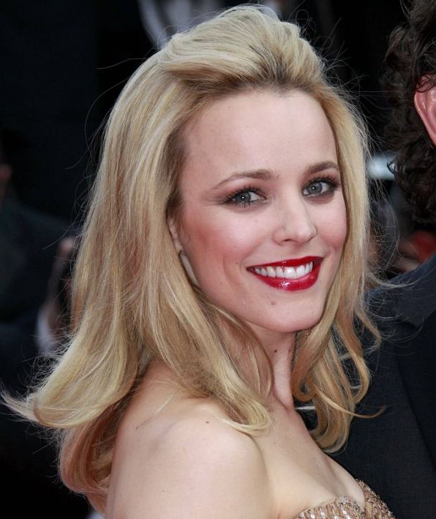 "Actress Rachel McAdams arrives on the red carpet for the screening of the film ""Sleeping Beauty"", in competition at the 64th Cannes Film Festival, May 12, 2011. Twenty films are competing in the May 11 to 22 cinema showcase, with a roll call including major screen stars, revered ""auteur"" directors and relative newcomers.    REUTERS/Eric Gaillard (FRANCE  - Tags: ENTERTAINMENT)"
