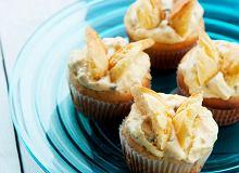 Muffiny motylkowe z kremem z marakui - ugotuj