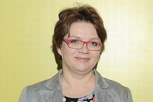 Dorota Zawadzka popularność zdobyła jako Superniania - ekspertka z TVN-u od wychowywania dzieci. Przy okazji została popularyzatorką słynnego już 'karnego jeżyka'. Pojawiła się również w 'Tańcu z gwiazdami', potem jednak zniknęła. W ostatni weekend dawno niewidzianą Zawadzką można było spotkać w galerii handlowej w Piotrkowie Trybunalskim, gdzie udzielała porad i odpowiadała na pytania rodziców. Zobaczcie, jak dziś wygląda słynna Superniania.
