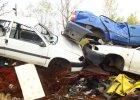 Martwe przepisy i samochodowe martwe dusze: motoryzacja po polsku