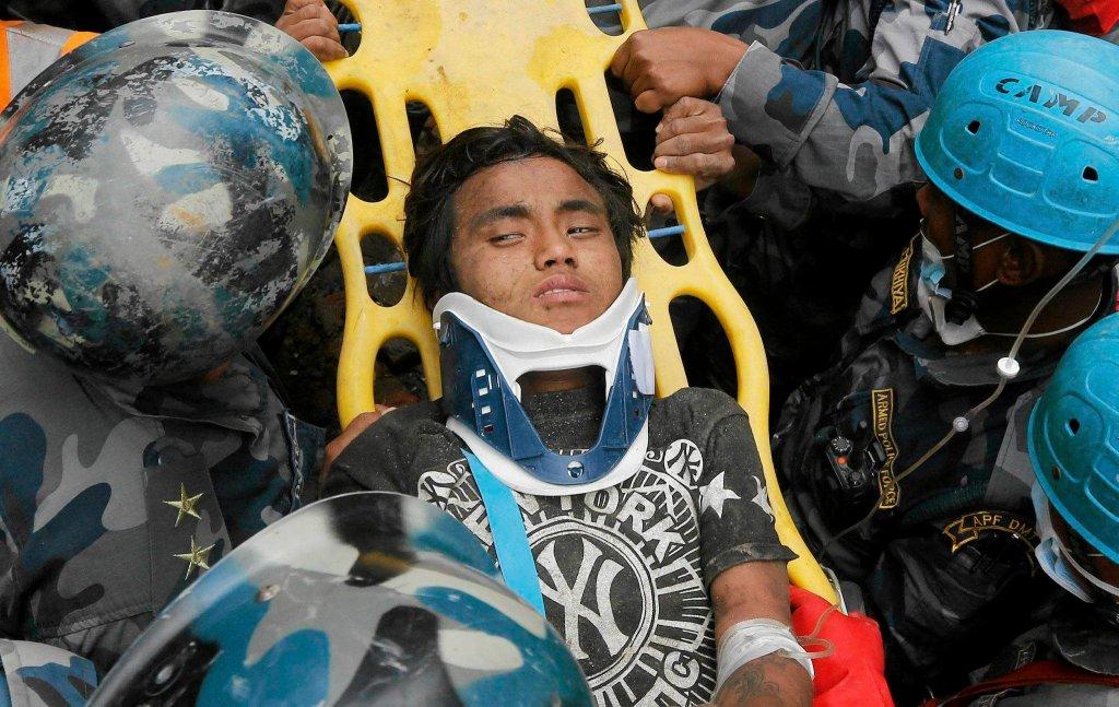 Pema Lama, 15-latek wyciągnięty z gruzów w Katmandu po 5 dniach