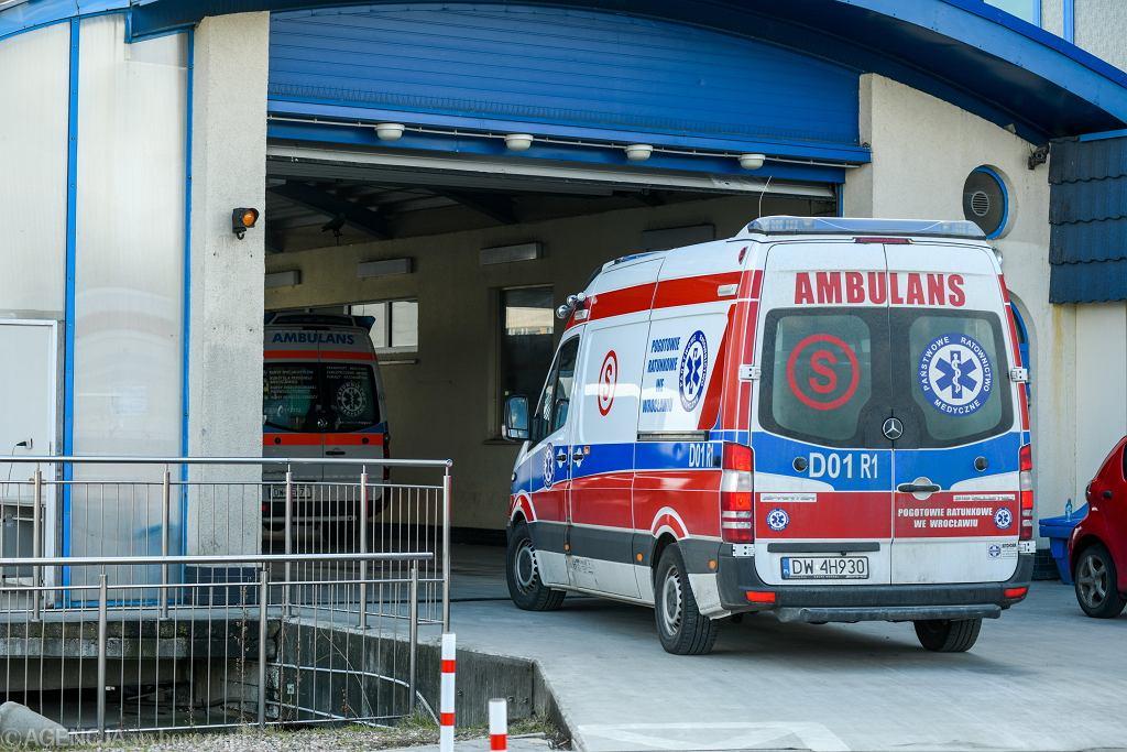 Pogotowie ratunkowe (zdjęcie ilustracyjne)