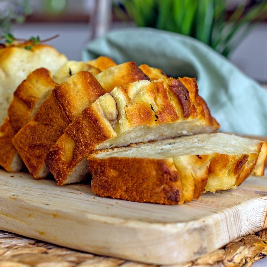 Chleb ziemniaczany z orzechami