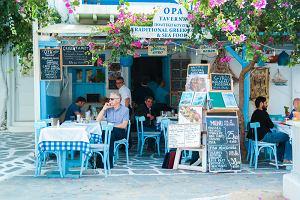 Grecja przedłuża obostrzenia w wielu regionach. Część z nich dotknie również turystów