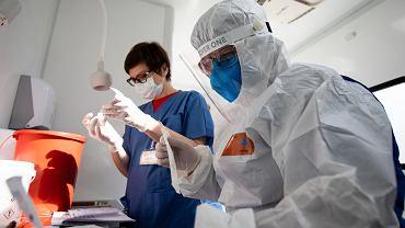 Ognisko koronawirusa w DPS-ie w Wilkowiczkach. Zakażonych jest 75 pensjonariuszy i ośmiu pracowników (zdjęcie ilustracyjne)