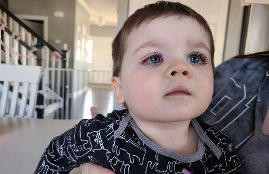 Chłopiec niemalże stracił wzrok podczas zabawy w wannie. Mama ostrzega: 'Wyrzućcie takie zabawki'