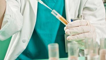 Nowa metoda leczenia prostaty wykorzystuje bakterię, która reaguje na światło