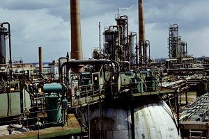 Rosyjska rafineria na granicy Polski. Jak zmienia się rynek paliw w Europie?