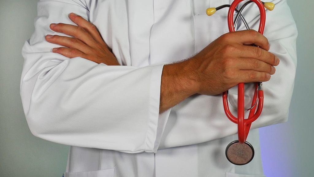 lekarz (zdj. ilustracyjne)
