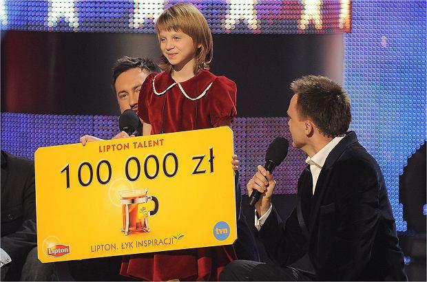 """Przed laty Klaudia Kulawik zachwyciła swoim głosem w """"Mam Talent!"""". Jak dziś wygląda młoda wokalistka?"""